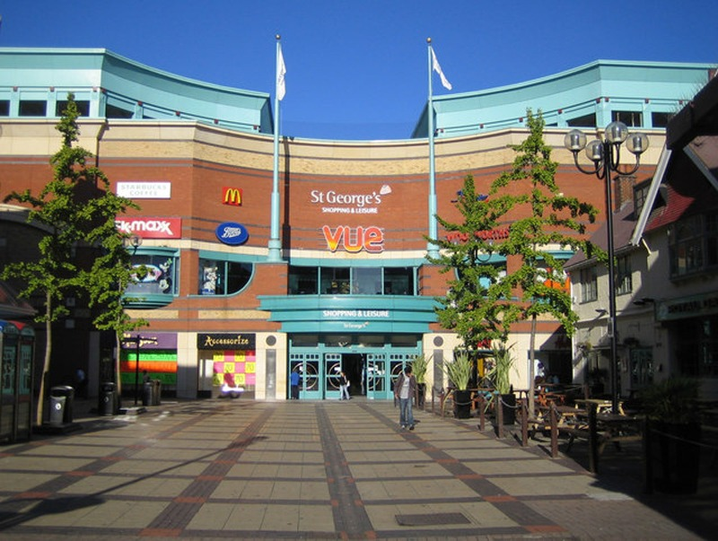 HARROW_St_George's_Shopping_and_Leisure