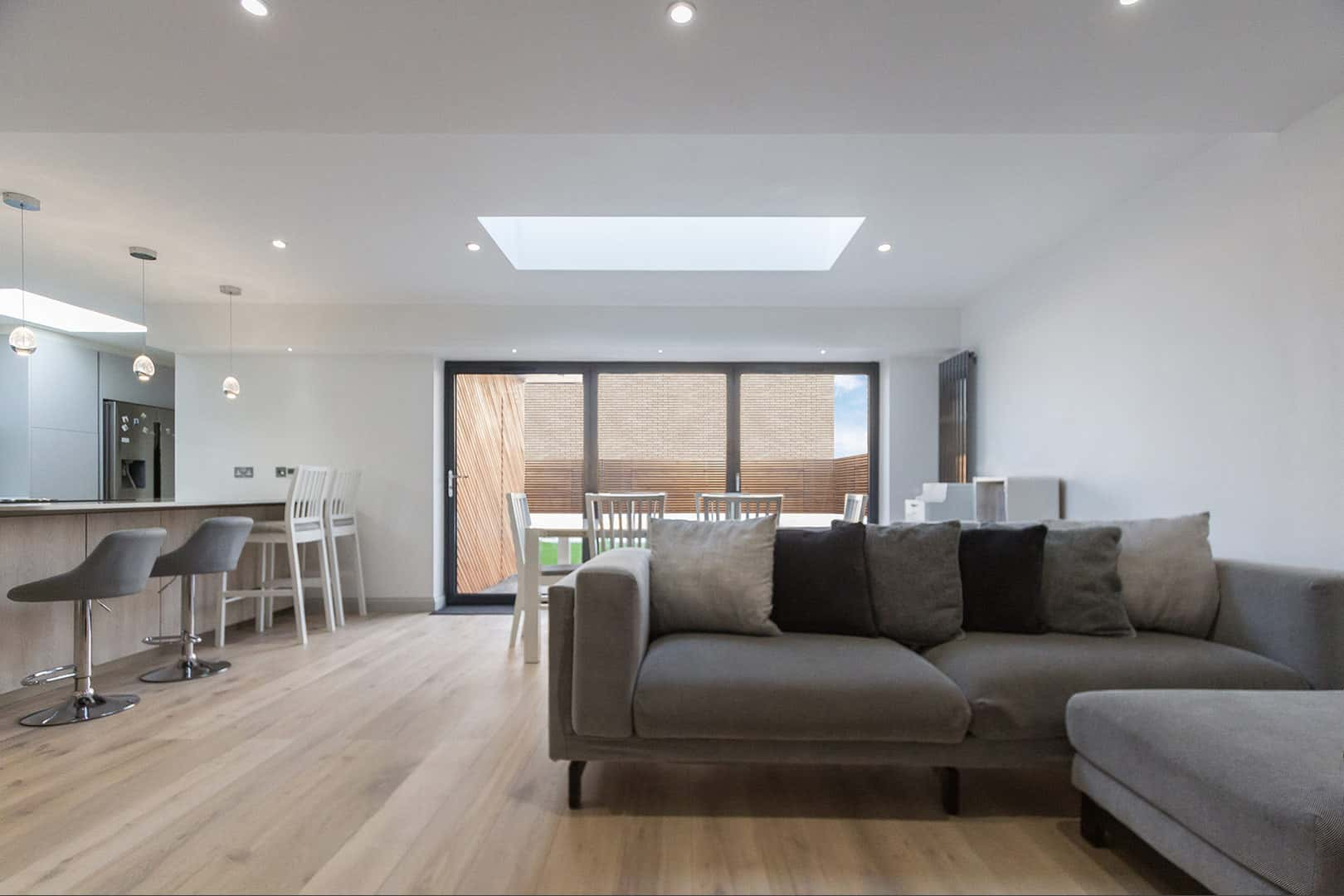 Leisure Pavilion for games room in Esher